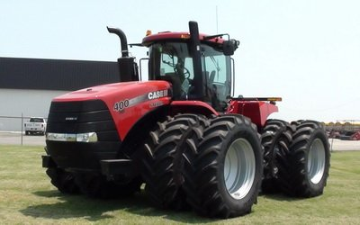 Case IH 2140 tractor